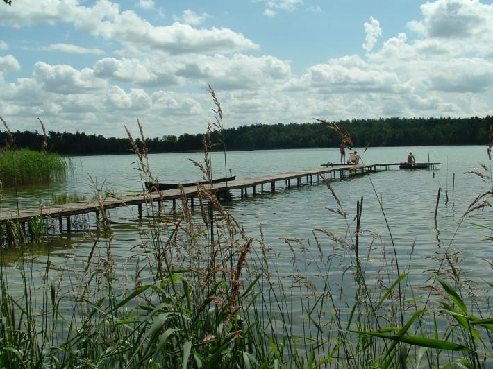 jezioro i pomost