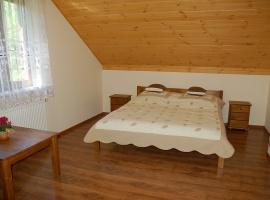 sypialnia nr 1 złóżkiem podwónym i możliwą dostawką