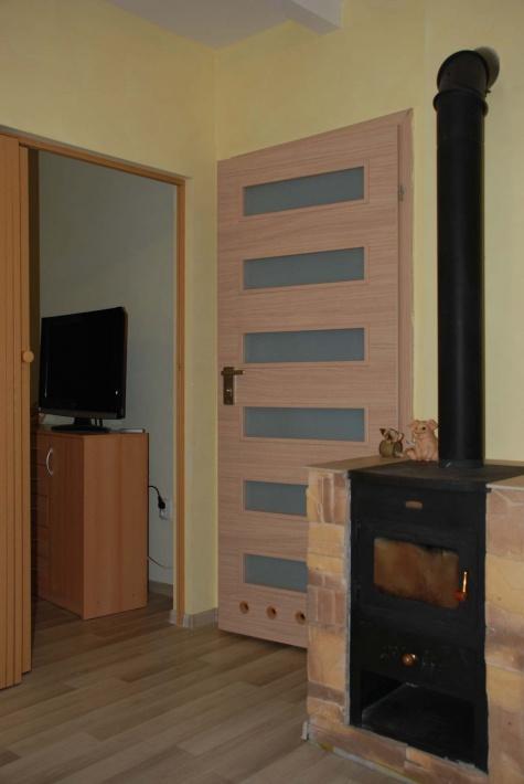 dół domku nr 2 pokój 2 x łózko pojedyncze