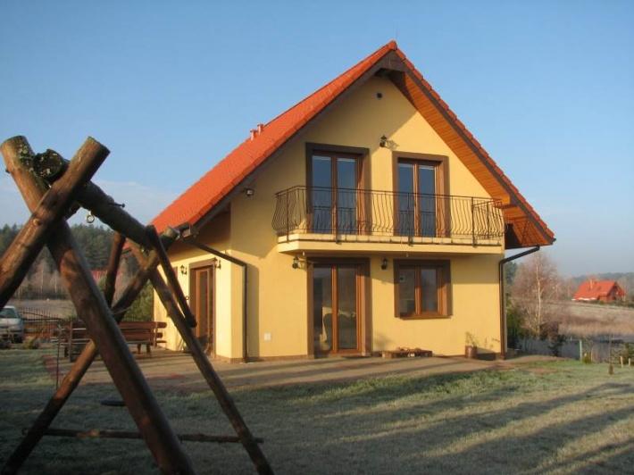 Dom z zewnątrz